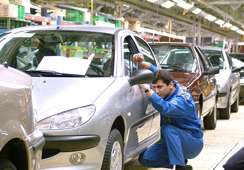 بازار خودرو برخلاف جریان حاکم بر نرخ ارز حرکت می کند